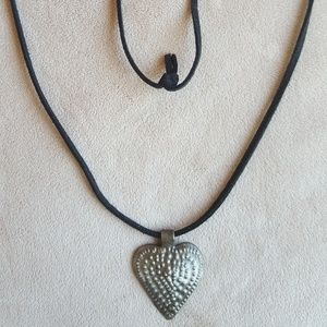 Jewelry - Tin heart necklace